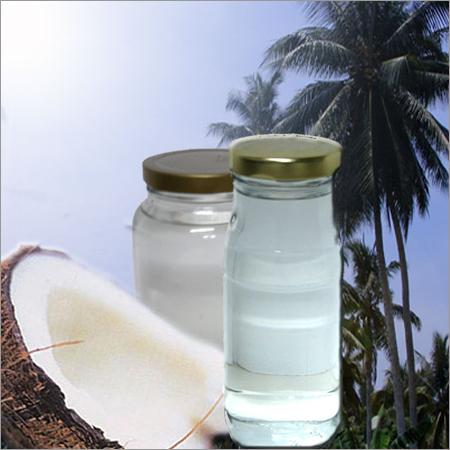 Глицерил каприлат - натуральный смягчитель, созданный на основе кокосового масла и с химической точки зрения представляющий собой сложный моноэфир глицерина и каприловой кислоты