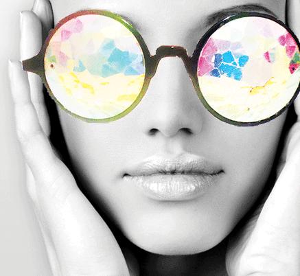 Игра цвета, сияние неповторимых оттенков для выразительного, волшебного макияжа. Легкая текстура обогащена увлажняющими, защитными компонентами