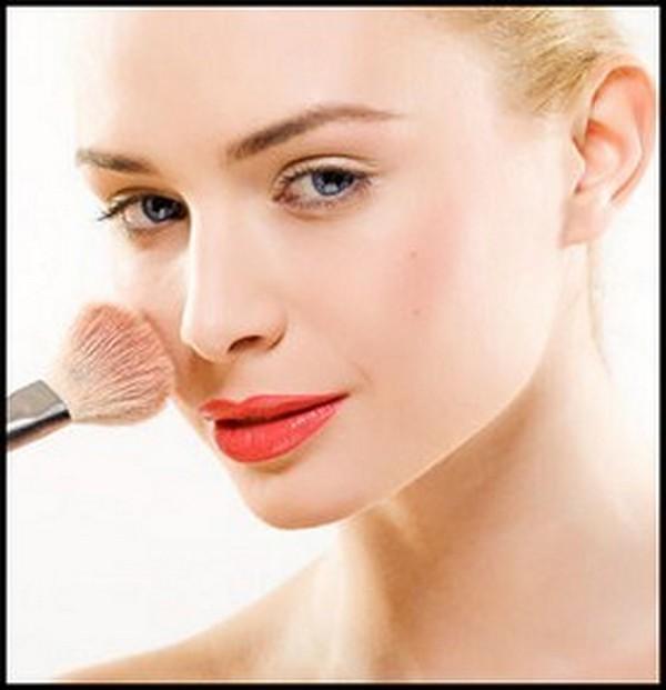 Пудра Wet-Dry (Фарфоровый) призвана обеспечивать мягкий и естественный макияж в течение всего дня, так как текстура пудры насыщена обработанными ухаживающими пигментами.