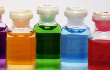 Hexyl Cinnamal (Гексил циннамал) - Используется как ароматизирующее вещество. бледная жёлтая жидкость. Ароматическая добавка. Молекулярная формула C15H20O. Аллерген.