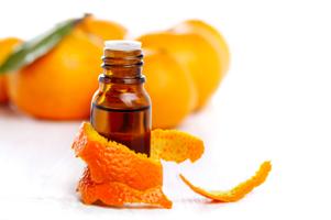Limonene (Лимонен) – это вещество, относящееся к терпеновым углеводородам, обладает обезжиривающими свойствами. Это синтетический ароматизатор. Лимонен – это вещество отличающееся антивирусными свойствами. Оно содержится в 90 процентах цитрусовых масел и в скипидаре, сделанном из живицы сосны обыкновенной