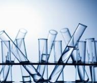 Trimethylsiloxysilicate (Триметилсилоксисиликат) - Относится к классу кремний органических соединений - силатранов, стимулирующих регенерацию тканей, стабилизирующих процессы клеточных мембран, положительно влияющих на синтез белков и нуклеиновых кислот. Cоль или сложный эфир кремниевой кислоты. Эмолент, кондиционирует кожу