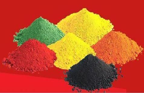 оксиды железа относятся к трём различным компонентам, которые обычно используются как красители и в списках указываются под номерами, указывающими на цвет красителя.