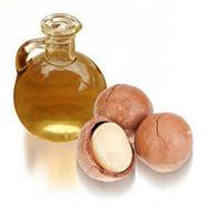 В макадамии незначительное количество углеводов, но много жиров, благодаря чему масло макадамии является ценным косметическим средством
