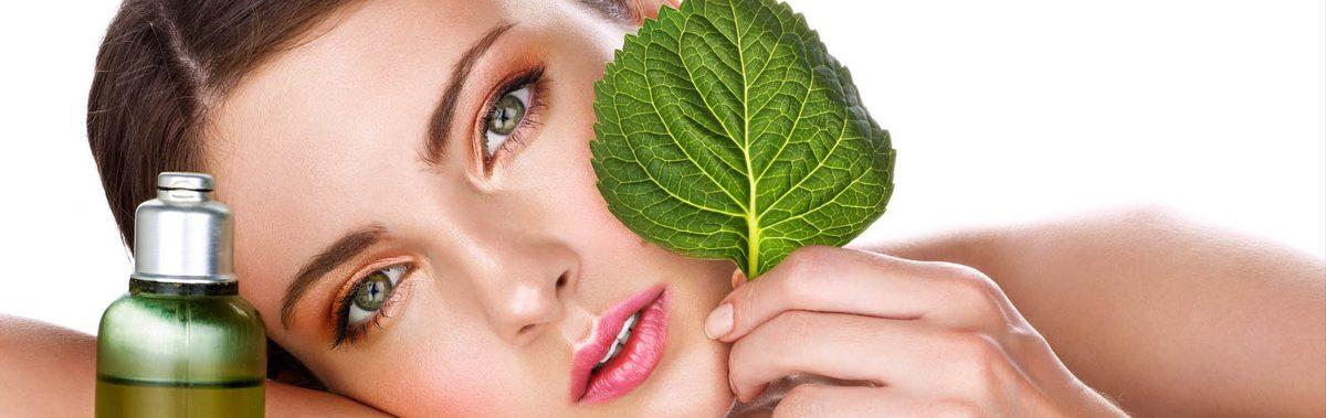 Маска-гель себорорегулирующая улучшает состояние кожи: нормализует функцию сальных желез, уменьшает поры, выравнивает тон лица. Обеспечивает длительный матирующий эффек