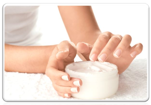 Крем-маска активизирует обмен веществ, усиливает антиоксидантную защиту. Биоактивные компоненты чёрной икры улучшают клеточное дыхание, способствуют синтезу коллагена и эластина. Маска даёт мощный импульс процессам омоложения, восстанавливает увядающую кожу лица
