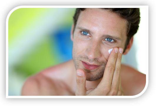 Мужчины пользуются гелями, лосьонами, туалетной водой. Эти средства выполняют несколько функций - восстанавливают, увлажняют, дезинфицируют кожу, одним словом, нормализуют нарушенный липидный барьер.