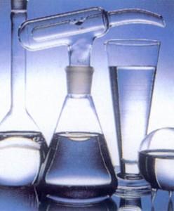 Жирный спирт, производное додецилового спирта. Маслянистая жидкость. Не растворяется в воде. Используется в качестве масляного компонента в эмульсионных системах (кремах), декоративной косметике.