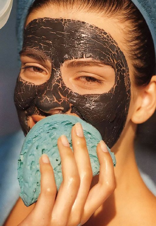 Средства интенсивного ухода линии MIRRA INTENSIVE обеспечивают глубокое очищение, эффективное питание и увлажнение кожи, разглаживание морщин, избавление от пигментных пятен, прыщей и растяжек, улучшение цвета лица.
