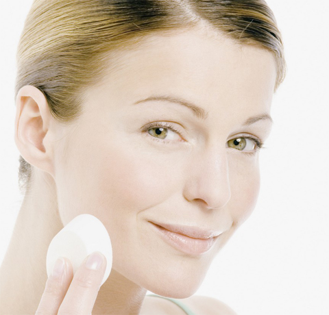 Только чистая кожа может быть здоровой и красивой. Поэтому очищение – одна из базовых процедур ухода за кожей