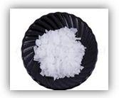 Dimethiconol behenate – Силиконовый воск бегеновой кислоты (бегено-силиконовый воск). Применяется: в средствах по уходу за кожей (высокая смягчающая способность, хорошая растекаемость, водостойкость, повышение проницаемости кожи) в средствах по уходу за волосами (улучшение мягкости и блеска волос); в губной помаде (улучшение микрокристаллической структуры, хорошая совместимость с другими восками); в кремах для бритья (загущает и желирует некоторые виды масел, создает приятное ощущение на коже)