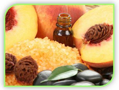 Целебные свойства столь любимого многими абрикосового масла используют прежде всего для заживления повреждений кожных покровов, в том числе порезов, ожогов, ссадин.