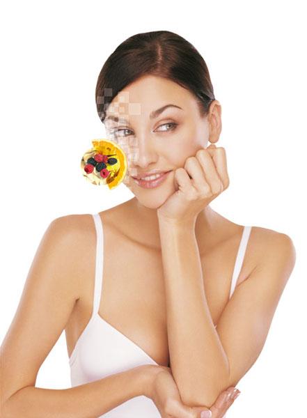 Витамин С – важнейший антиоксидант, он повышает эластичность сосудов, стимулирует синтез коллагена и предотвращает старение. Правда, чтобы аскорбинка «сработала», ей необходима поддержка: без витамина Р кожа ее просто не усвоит. Так что самыми эффективными кремами считаются те, что содержат оба компонента