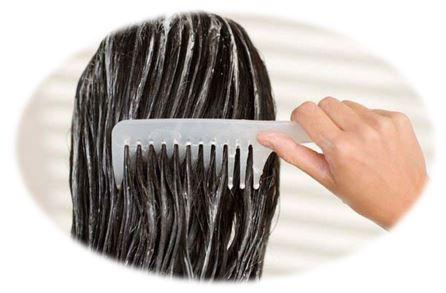 бальзам направлен на защиту, увлажнение и питание кожи головы и волос. Он защищает волосы от механических повреждений, а также от вредного воздействия внешних факторов, облегчает расчесывание и укладку, восстанавливает поврежденную структуру, защищает волосы о выпадения и самое главное – нейтрализует щелочную среду, созданную шампунем, и убирает его остатки с волос