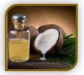 Жидкость, изготовленная из кокосового масла. Смягчающее средство, полученное из кокосового масла. Смягчает, не оставляя тяжелого жирного ощущения, которое часто остается от других масел. В косметике и профессиональных средствах по уходу за кожей, каприлик/каприк триглицерид используется в рецептуре помад