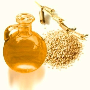 Масло кунжутное является ценным средством для лечебно-профилактического массажа при остеохондрозе, артрите, ревматизме