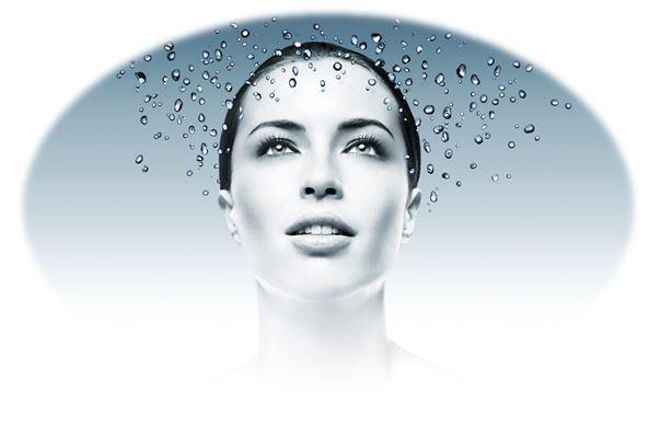 Вода является естественным косметическим средством благодаря своим особым физико-химическим свойствам
