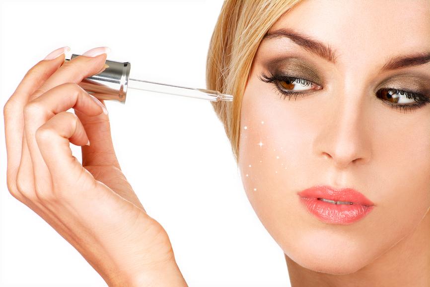 Сыворотка для лица - это удивительный продукт, который способен улучшить состояние кожи уже после первого применения.