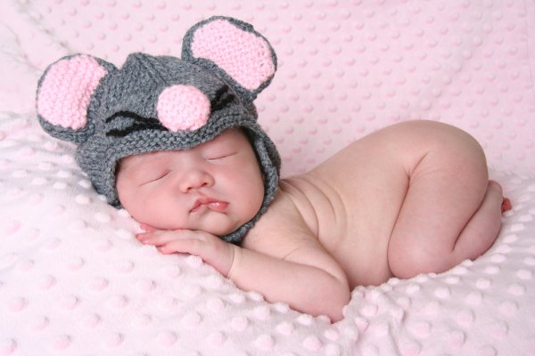 Здоровье должно начинаться с соблюдения правил личной гигиены, в первые годы жизни эту гигиену обеспечивают родители ребенка, с годами – малыш может обслужить себя самостоятельно