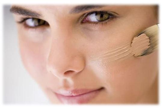 Тональная основа – нужна для того, чтобы выровнять тон и текстуру кожи. Правильное нанесение и подобранное средство позволяет получить в результате чистую, гладкую, ровную кожу