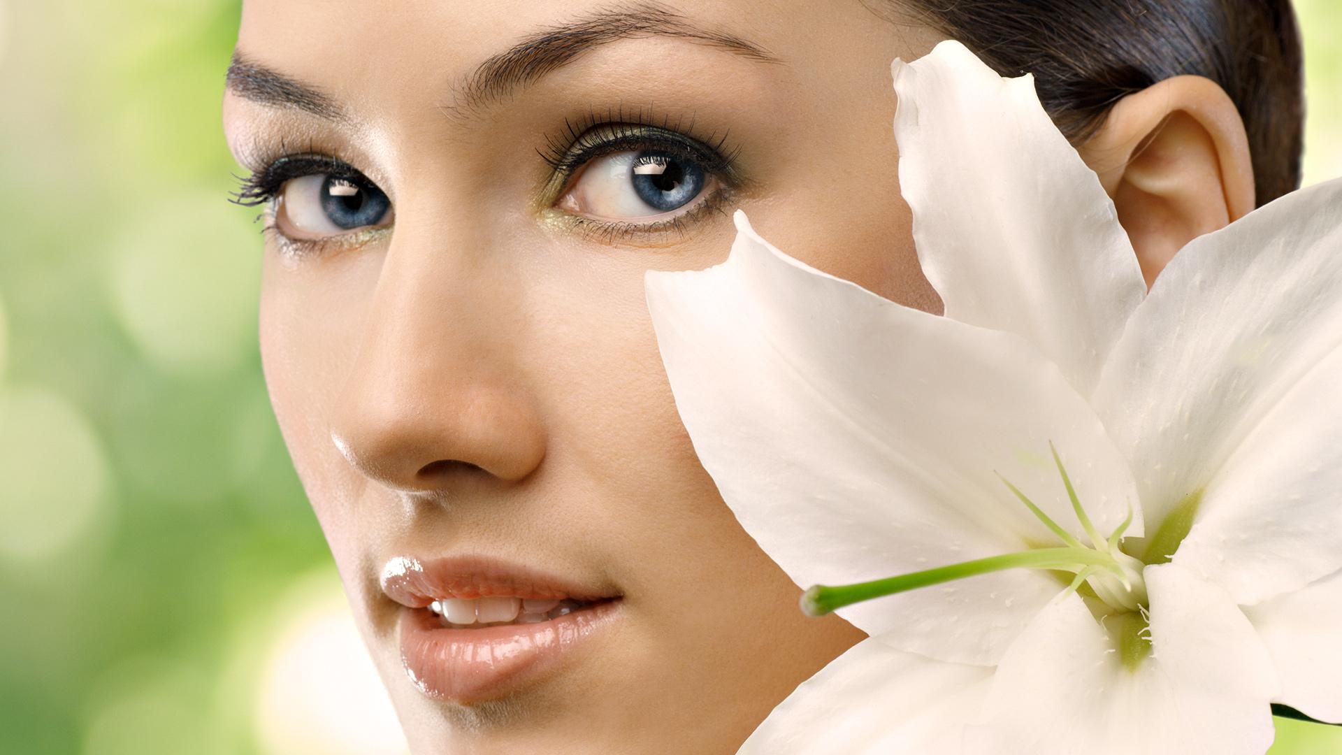 Правильный уход за кожей: косметика, которая останавливает время рекомендации