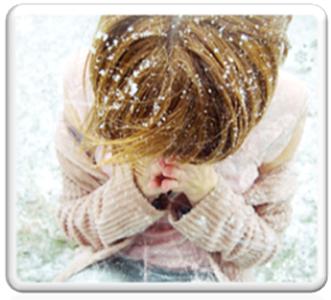 пециалисты не советуют в зимнее время года использовать низкоконцентрированными парфюмами - они практически «не слышны», так как холодный воздух притупляет нашу способность чувствовать ароматы.