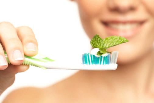 Средства для ухода за зубами и полостью рта