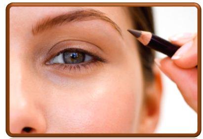 Красиво подведенные глаза – залог успешного макияжа.
