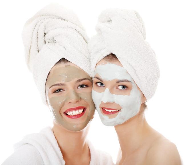 Маска для лица полезна женщинам разного возраста с любым типом кожи