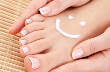 крем должен обеспечить коже ног комфорт и здоровый микроклимат